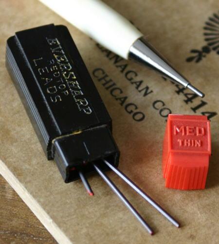 ヴィンテージ シャープペンシル用の芯 3