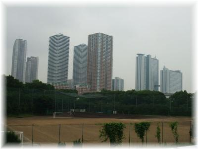 学校の外の風景