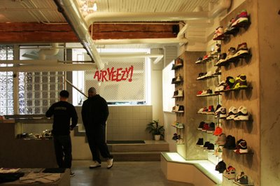nike-air-yeezy-launch_05.jpg