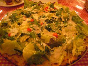 薪と石 朝市野菜のピザ