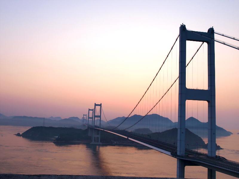糸山公園 来島海峡大橋 夜明け