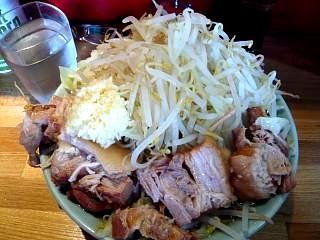 髭(チャーシュー麺その2)