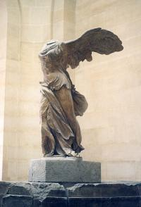 Paris_louvre_winged_500pix.jpg