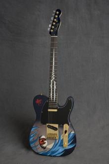レイ ヘボデザインギター
