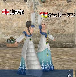 シェリーちゃんと孔雀ドレスでダンス