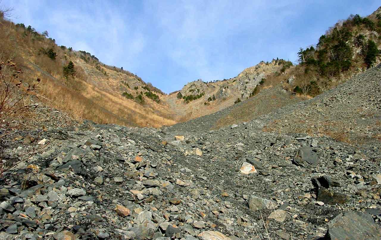 大谷崩八紘嶺捜索 003 先日下った大谷崩を登る