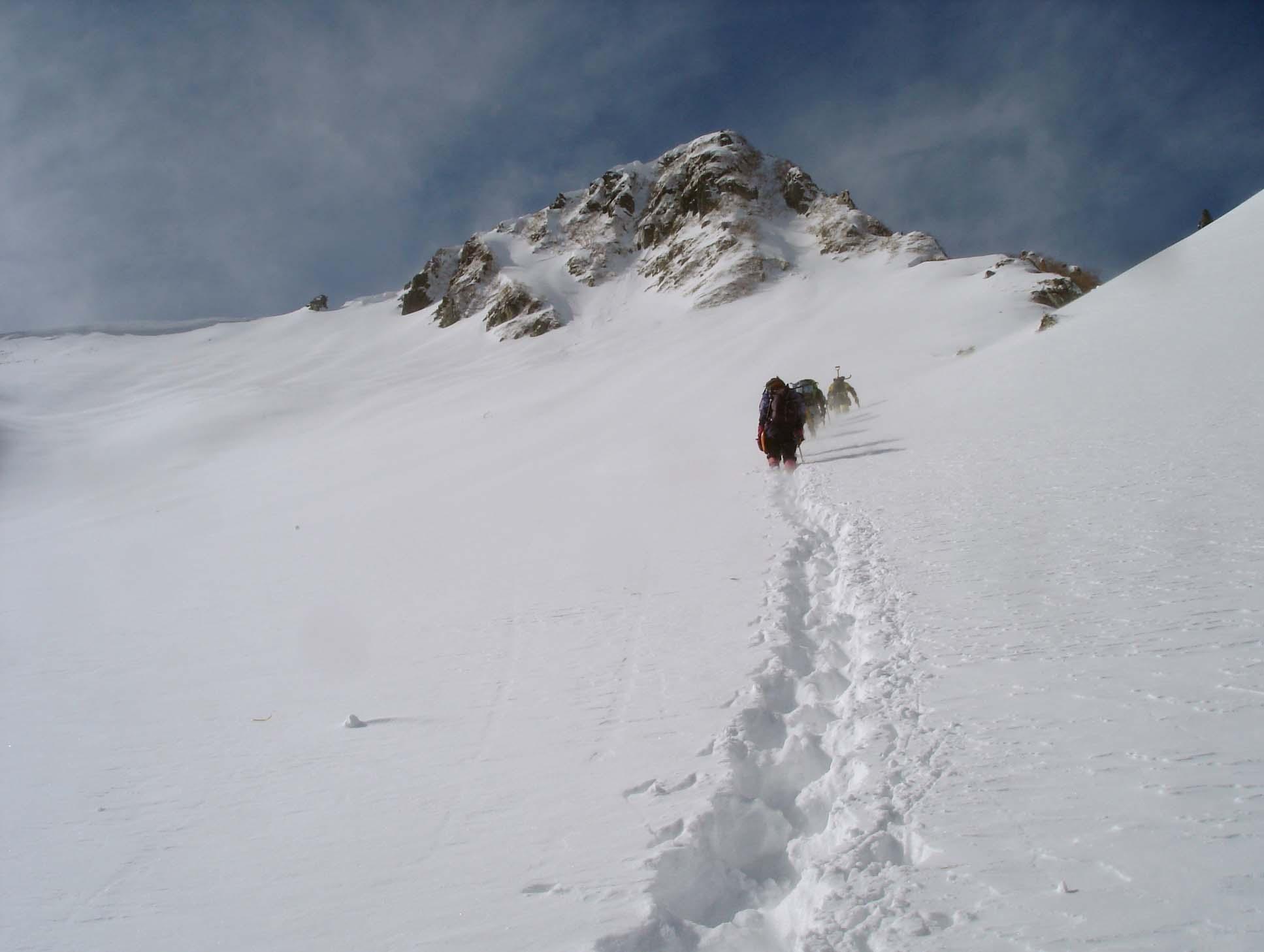 雪庇観察地点へ移動 DSC05505