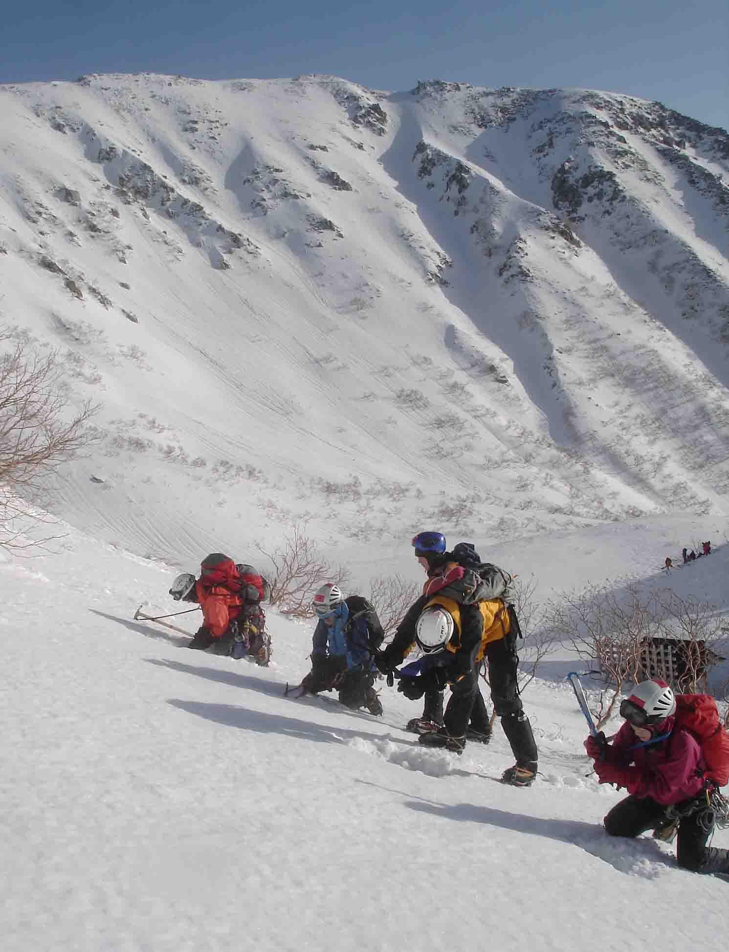 硬い雪面掘削 DSC05885