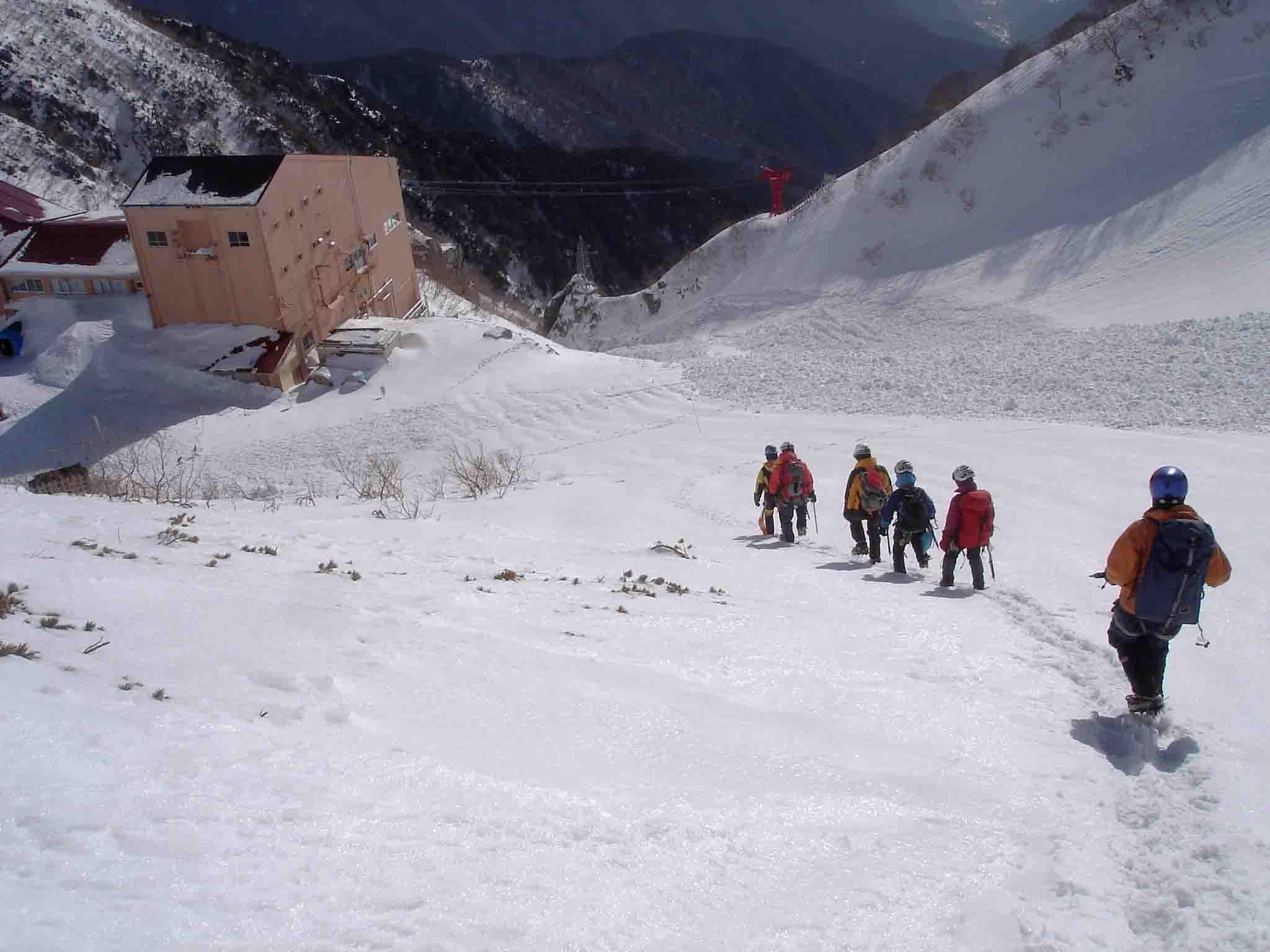 雪庇観察後の下山 DSC05951