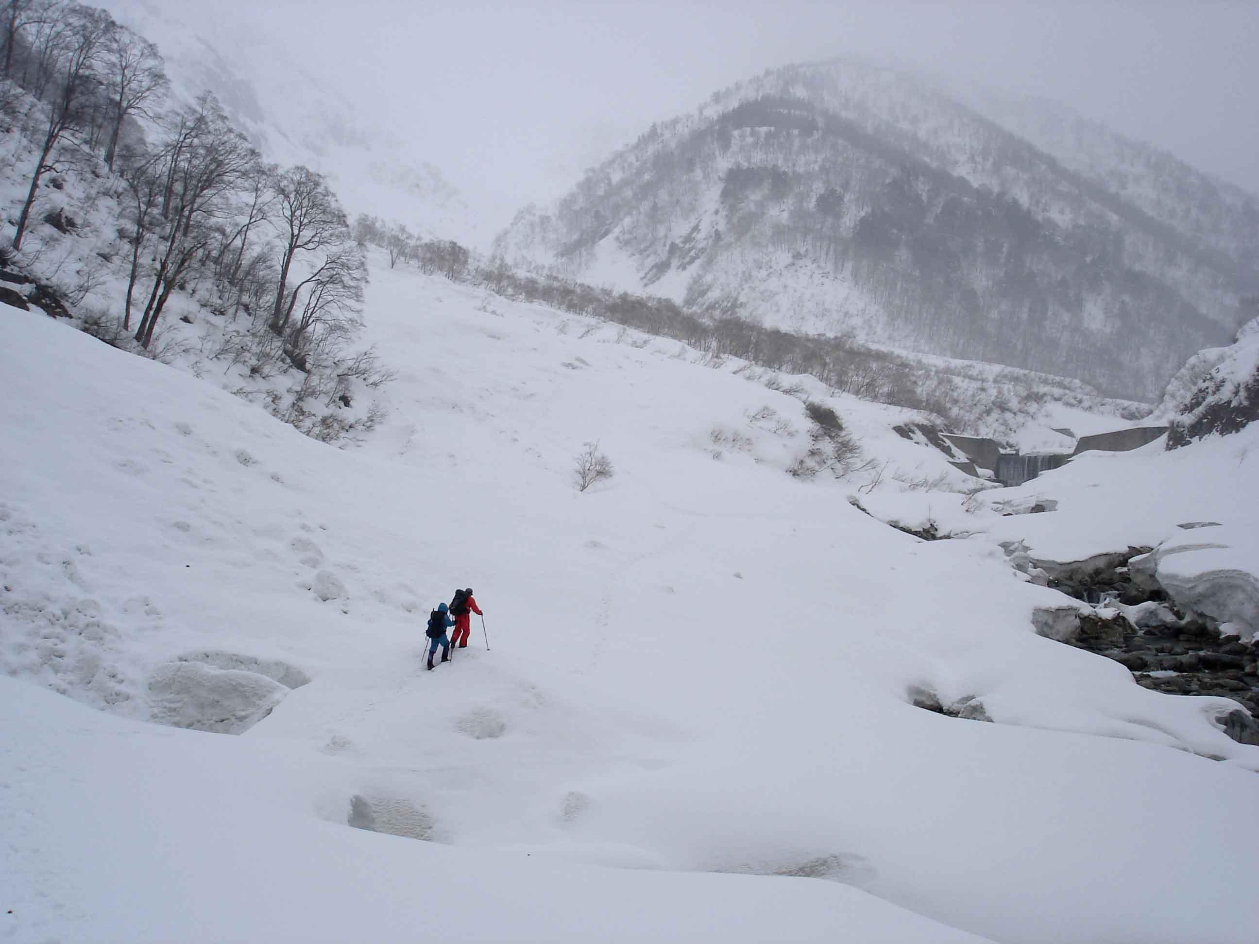 雪崩現場へ DSC08807