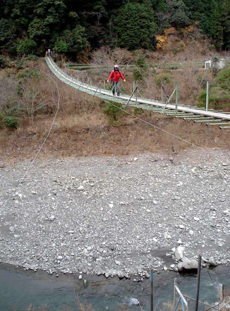 上渡の吊橋⑦ やはり宙に浮く感じ
