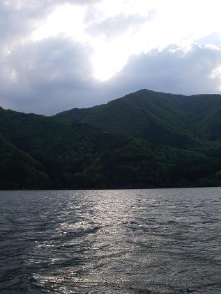 近所の湖(2008年5月17日)