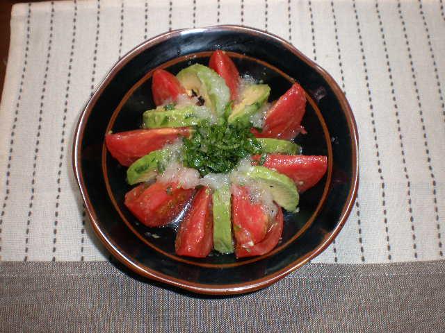 トマトとアボカドのカルパッチョ