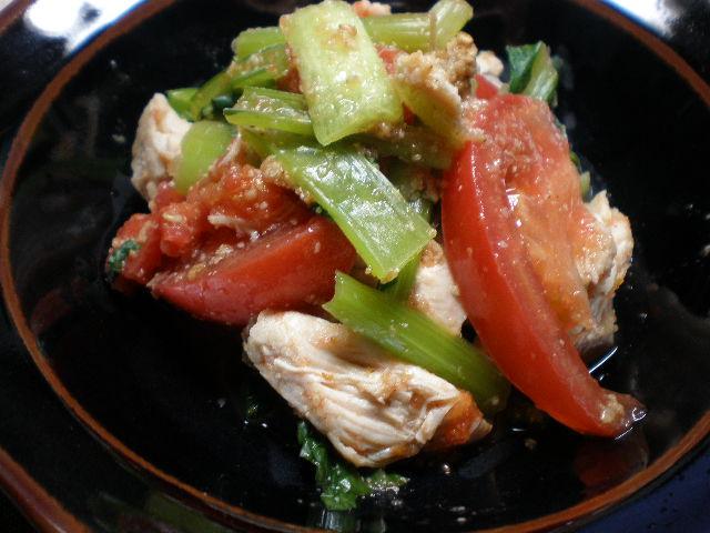 鶏ささ身肉と小松菜とトマトのごまあえ