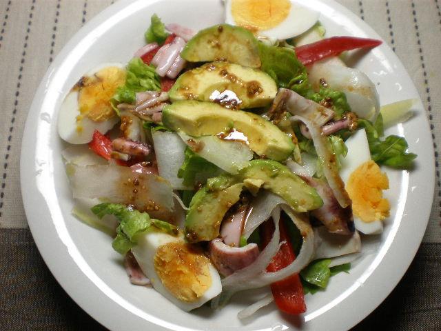 いかとアボカドのサラダ
