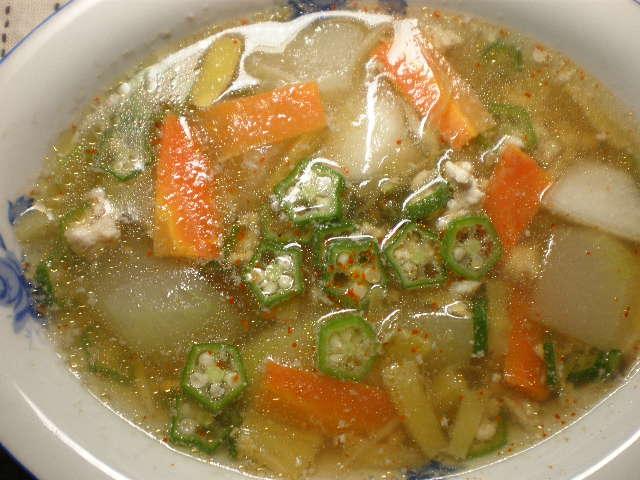 冬瓜のミョウガとオクラ入りスープ