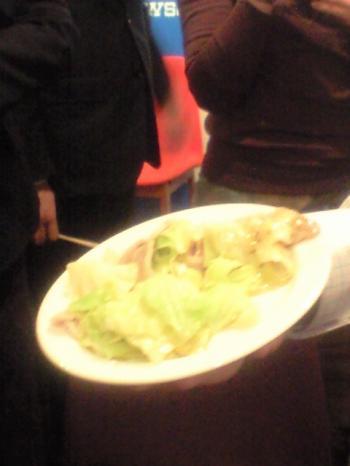 ねぎ塩豚カルビと好食感キャベツの炒めをささげるの図