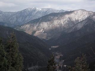 能見峠から武奈ケ岳・釣瓶岳を望む