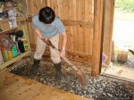 土間の砂利敷き