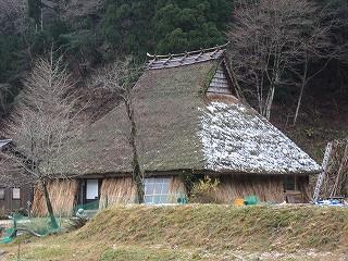 小入谷の茅葺民家