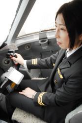 120303女性パイロット003_035