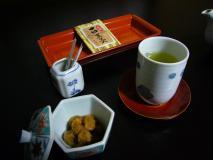 お茶請けの梅干、美味しかったです