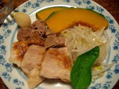 茹で豚のニンニクソース温野菜添え
