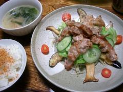 カリカリ豚炒めシャブサラダ