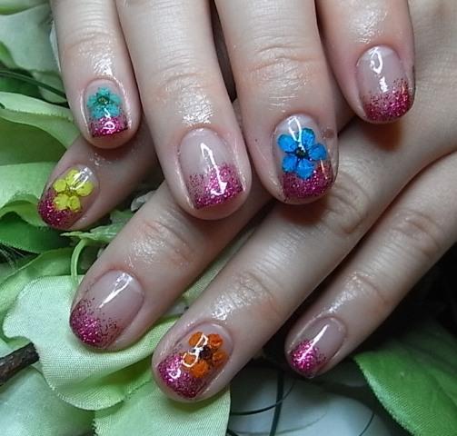 濃ピンクグラデ+押し花ネイル