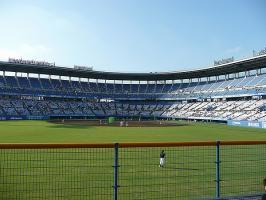 08.9.4 坊ちゃんスタジアム内観