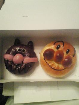 菓子パンヒーロー!?
