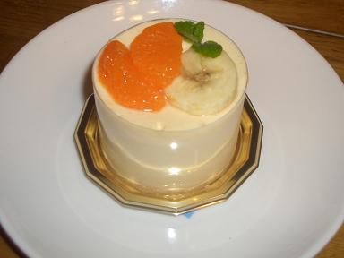 ミカン&バナナムースのケーキ