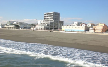 ビーチまで徒歩7分(491m)