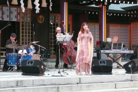 星野由美子&スターフィールドのライブ演奏