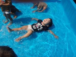 水遊び1008(1才)