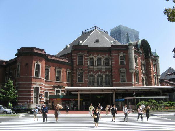 復原前の東京駅赤レンガ駅舎。
