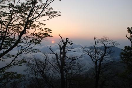 檜洞丸山頂夕日