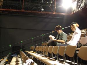 演出と演出助手