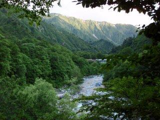 s02飯豊山荘