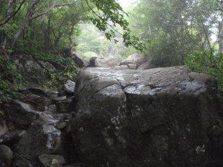 s04大岩