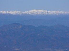 蔵王山頂から朝日連峰を望む