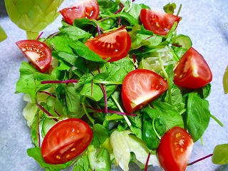 トマトとベーコンのバジルパスタ 099