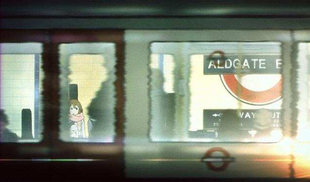 映画けいおん!メモリアルフィルムロンドン1日目地下鉄電車待ち梓唯律紬澪4