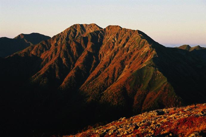 03朝焼けの赤石岳
