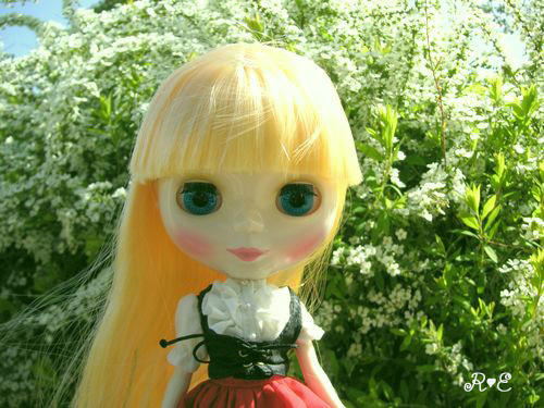 olivia_white.jpg