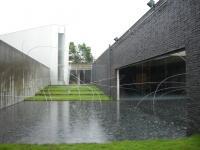 奈義町現代美術館1