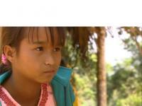 ビルマ、パゴダの影で サブ
