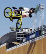 bmx_vert_finals_-_right.jpg