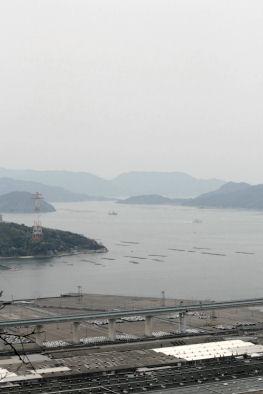 島々と工場