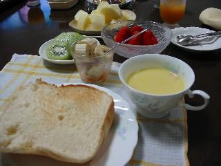 食パンで朝ご飯